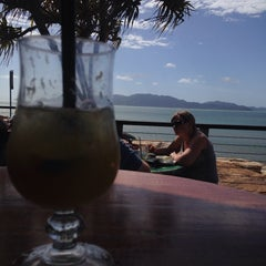 Photo taken at Longboard Bar & Grill by Sam O. on 5/17/2015