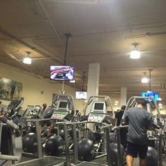 Photo taken at 24 Hour Fitness by Vincent J. on 9/16/2015