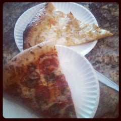 Photo taken at Park Avenue Pizza by kelvin andrius h. on 10/19/2012