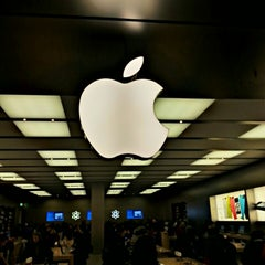 Photo taken at Apple Store, Fiordaliso by Sergio N. on 2/23/2013