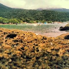 Photo taken at Che Lagarto Hostel Ilha Grande by Jaqueline C. on 9/25/2013