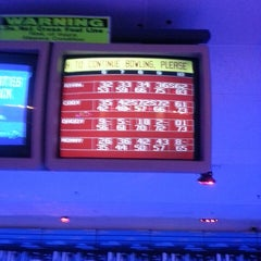 Photo taken at Brunswick Zone XL - Naperville by Aaron H. on 5/11/2013