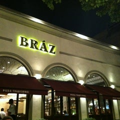 Photo taken at Bráz Pizzaria by Fabiana K. on 12/9/2012