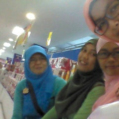 Photo taken at iStore Robinson Mall by Mitha D. on 5/12/2013