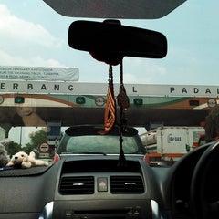 Photo taken at Gerbang Tol Padalarang by Abang G. on 10/18/2014