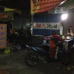 Photo taken at Soto Babi - Pasar Kereneng by Gungde S. on 8/8/2013