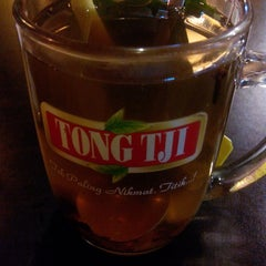 Photo taken at Tong Tji Tea Bar by Denephy A. on 7/5/2014