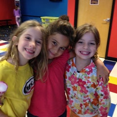 Photo taken at Pump It Up by Linda E. on 10/13/2013