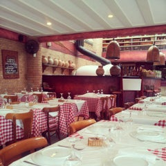 Photo taken at Lorenzo Pizzeria & Cantina by Leonardo R. on 3/23/2013