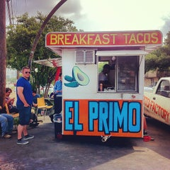 Photo taken at El Primo Taco Truck by Raquel L. on 5/20/2013