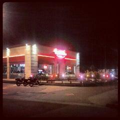 Photo taken at Garage Burger by Diego S. on 9/1/2012