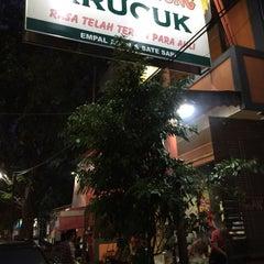 Photo taken at Empal Gentong Bu Darma - Krucuk by Agus U. on 7/18/2015