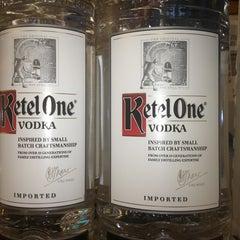 Photo taken at Fulton Wine & Spirits by Tanya on 5/30/2014