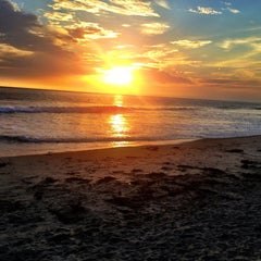 Photo taken at Beacon's Beach by Heidi A. on 7/3/2013