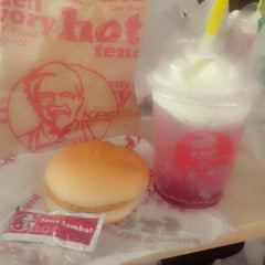 Photo taken at KFC by nufikecil N. on 12/5/2013