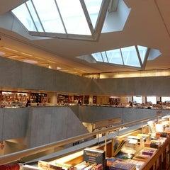 Photo taken at Akateeminen kirjakauppa by CK on 8/23/2013