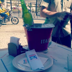 Photo taken at Garota da Tijuca by Monique M. on 9/29/2012