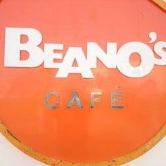 Photo taken at Beano's by Haithm E. on 12/9/2014