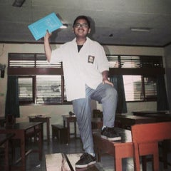 Photo taken at SMAN 1 Denpasar by Baldeva S. on 12/17/2013