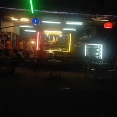 Photo taken at ข้าวต้มรวมรส by Chatdanai Y. on 11/9/2014