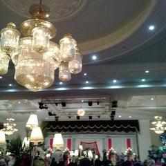 Photo taken at BRAJA MUSTIKA Hotel & Convention Centre by Irma n. on 5/31/2014