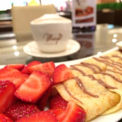 Photo taken at Maya Le Chocolaterie by DeeMaaH H. on 1/8/2014