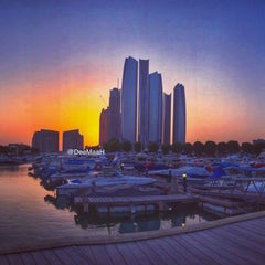 Photo taken at The Yacht Club نادي اليخوت by DeeMaaH H. on 8/29/2014