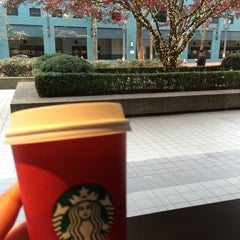 Photo taken at Starbucks by Alyona V. on 11/30/2015