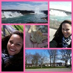 Photo taken at Bus To Niagara Falls by Daiane A. on 4/27/2015