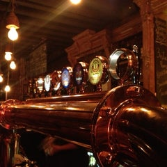 Photo taken at Fraunces Tavern by Aaron T. on 12/2/2012