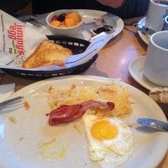 Photo taken at Jimmy's Egg by Kursad S. D. on 10/29/2015