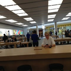 Photo taken at Apple Store, Stonestown by Will 李. on 3/5/2014