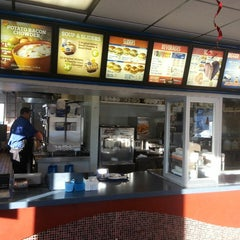 Photo taken at White Castle by Eric L. on 1/27/2014