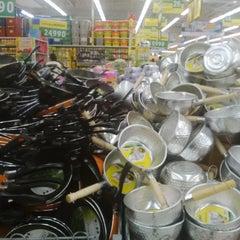 Photo taken at Giant Hypermarket by Wisma Pakuan Bogor on 5/2/2014
