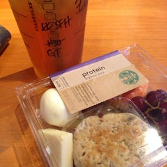 Photo taken at Starbucks by Zai A. on 3/8/2014
