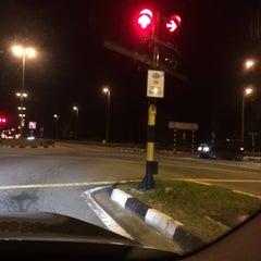 Photo taken at Traffic Light Perumahan Rimba by Azran Malda A. on 4/11/2014