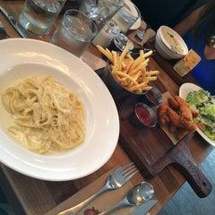 Photo taken at Earl's Kitchen & Bar by Rodrigo M. on 8/10/2014