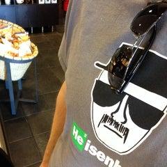 Photo taken at Starbucks by Darel F. on 7/4/2014