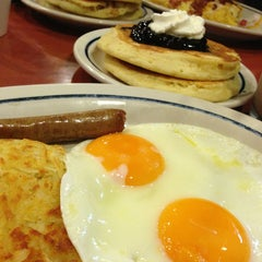 Photo taken at IHOP by Rocío Q. on 3/16/2013
