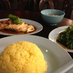 Photo taken at 118 KK Food Court by Qishin T. on 4/10/2013