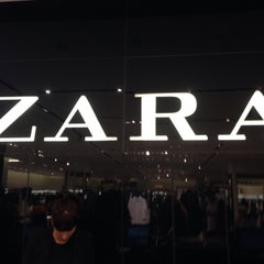 Photo taken at Zara by Виктория У. on 3/5/2016