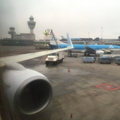 Photo taken at Gate D10 by Martijn K. on 1/22/2015