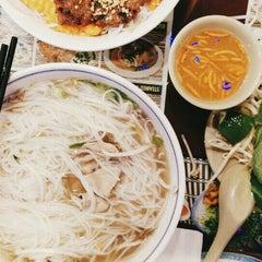 Photo taken at Phở Vietnam by Vivian K. on 8/22/2015