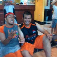 Photo taken at Zona Futsal Pulau Situ Gintung by Der R. on 5/31/2014