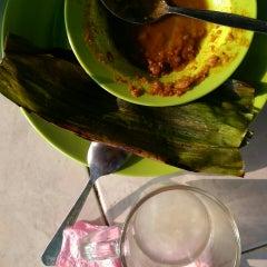Photo taken at Warung Roti Firdaus by Safra S. on 10/7/2015