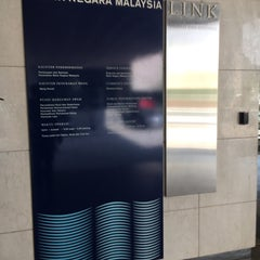 Photo taken at Bank Negara Malaysia by Rody on 11/11/2015