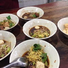 Photo taken at เรือทอง (Rue Thong Boat Noodle) by Chanida I. on 11/1/2015