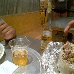 Photo taken at Chipotle Mexican Grill by Giuliano E. on 7/21/2014