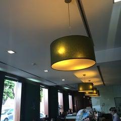 Photo taken at Cafetaria Green Tea by Nuno G. on 5/21/2014