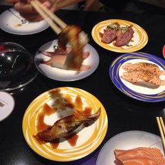 Photo taken at Heiroku Sushi (เฮโรคุ ซูชิ) by ploysjell on 6/13/2015